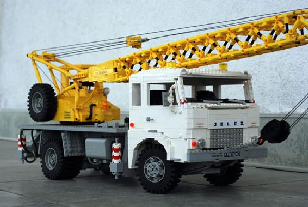 Real Looking Lego Trucks (15 pics)