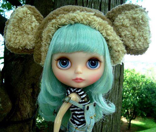 Big Headed Dolls (16 pics)