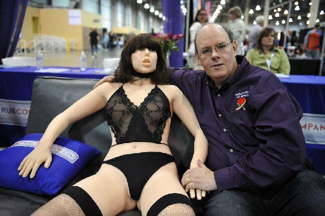 World's First Sex Robot Roxxxy (9 pics)