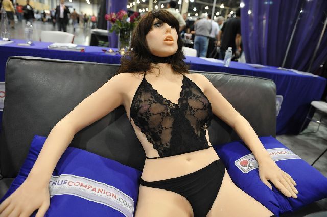 World's First Sex Robot Roxxxy (9 pics)