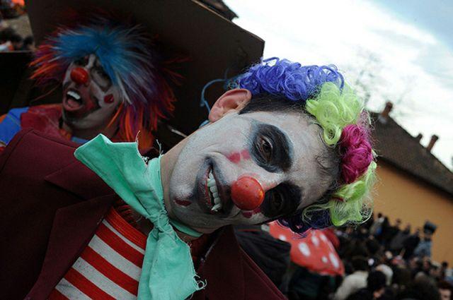 Rio De Janeiro New Year Carnival (17 pics)