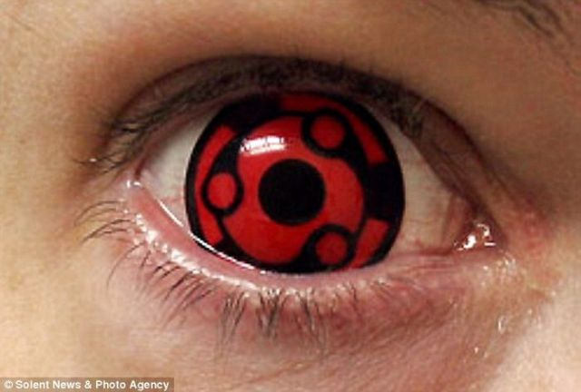 Freaky Contact Lenses (7 pics)