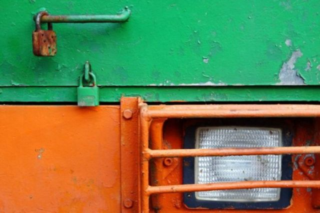 The Colorful World of Trucks and Machinery (104 pics)