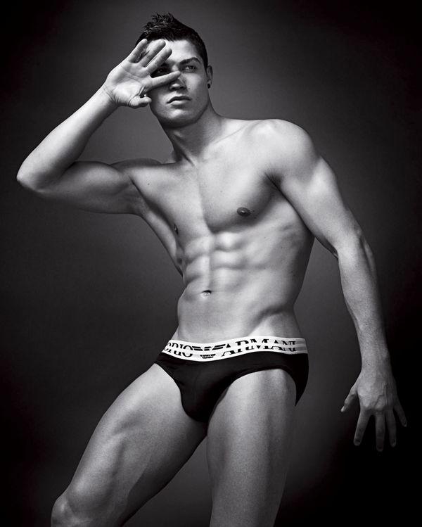 Cristian Ronaldo Nude 102