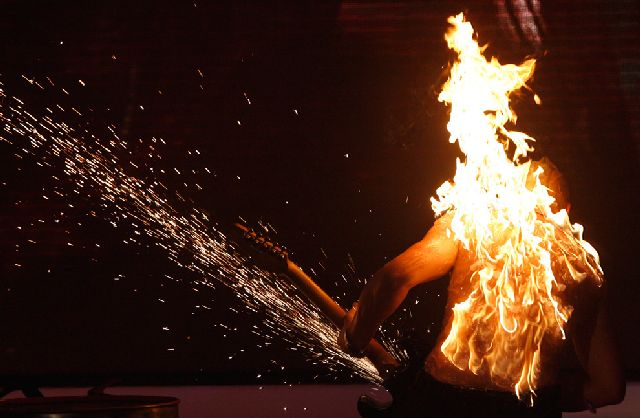 Photos with Fire and Ice (40 pics)