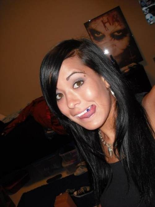Pretty Girl Has a Problem with Her Tongue (11 pics)