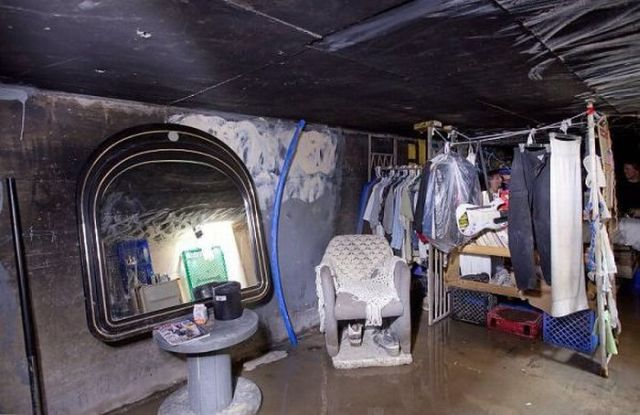 People Living in the Underground Tunnels of Las Vegas (16 pics + 1 video)