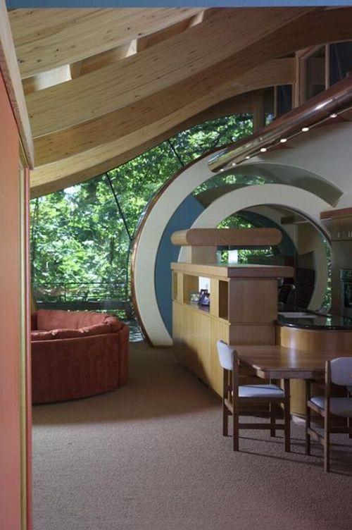 Awesome Tree House (15 pics)