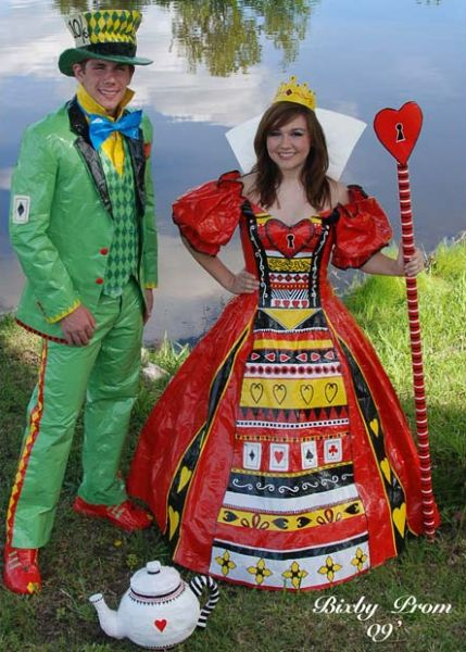What Can You Put On to Look Cool at the American Prom? (15 pics)