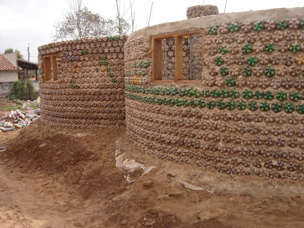 Incredible Bottle House (40 pics)