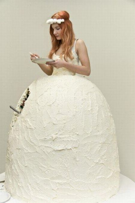 The Coolest Wedding Dress (3 pics)