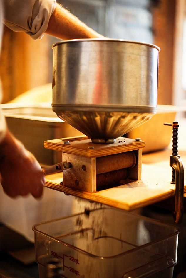How Chocolate Is Made (65 pics)
