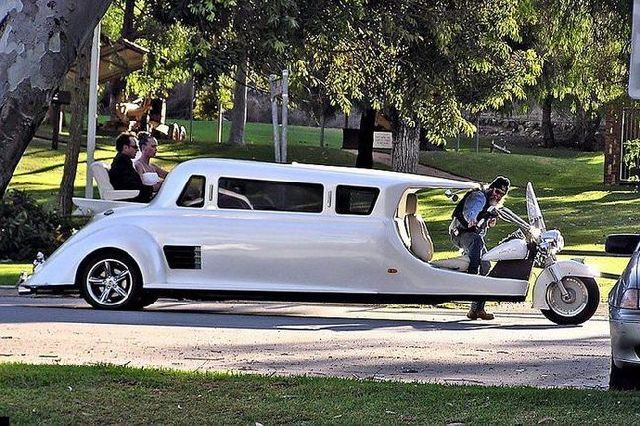 Very Particular Limo (6 pics)