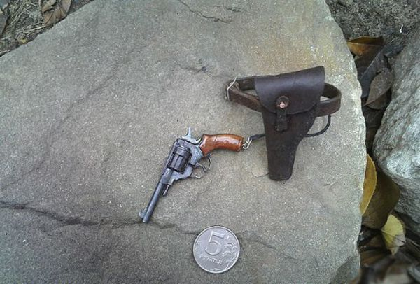 Tiny Weapons (15 pics)