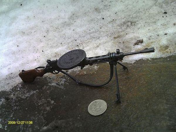 Tiny Weapons (15 pics)