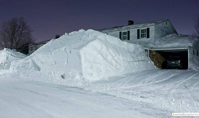 You Want to Whine about Winter? (15 pics)