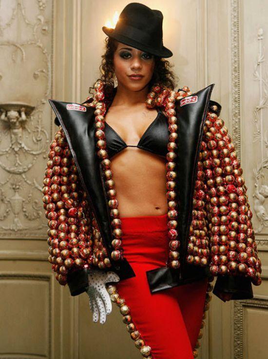 Edible Chocolate Fashion (18 pics)