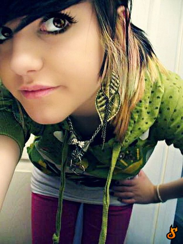 tits Hot emo girl