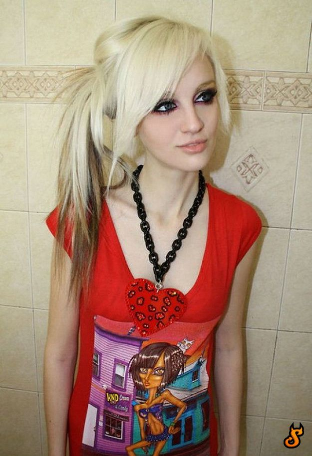 52 Do Emo Girls Appeal You? (75 pics)