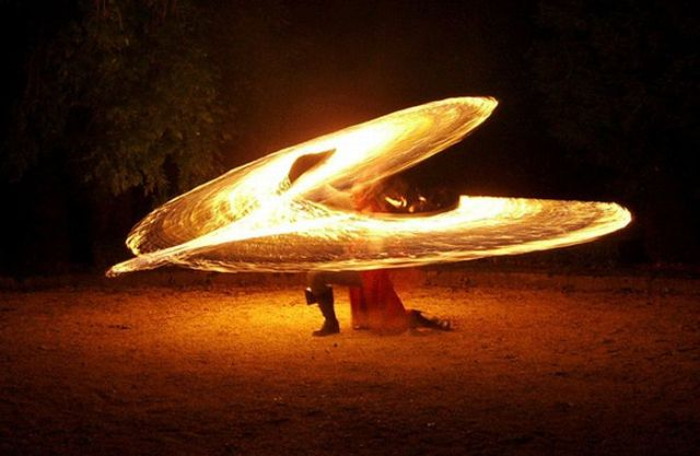 Fire in Motion (18 pics)