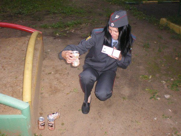 Naughty Russian Police Girls (9 pics)