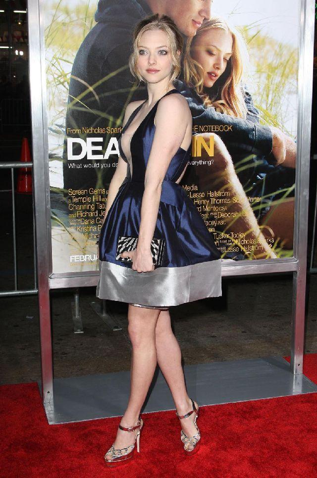 Amanda Seyfried Is Just Too Cute (8 pics)