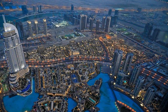 View at Dubai from Burj Khalifa (16 pics)