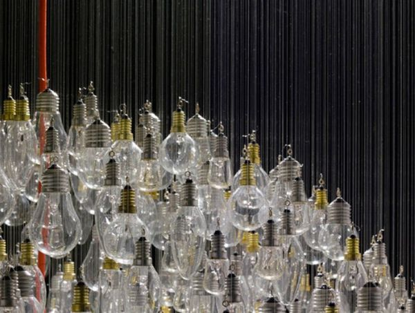 Great Light Bulb Chandelier (7 pics)