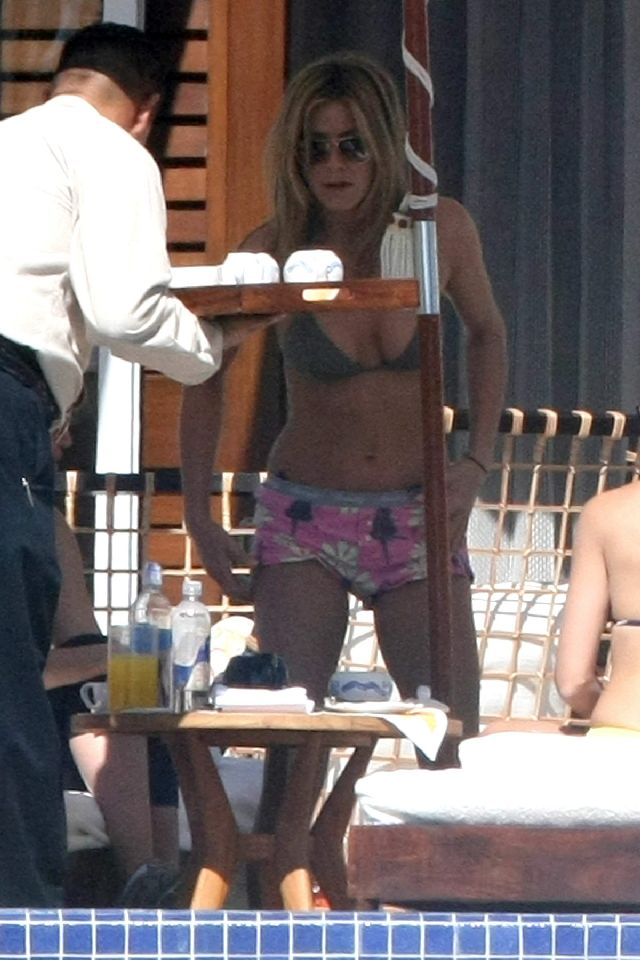 For a 41 Year Old Jennifer Aniston Has a Rocking Tushie(16 pics)