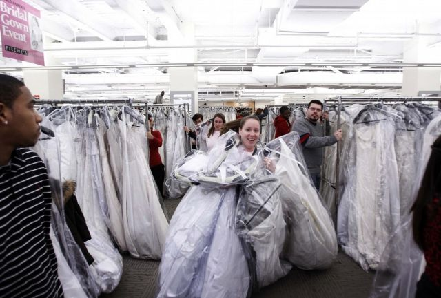 Running of the Brides (14 pics)