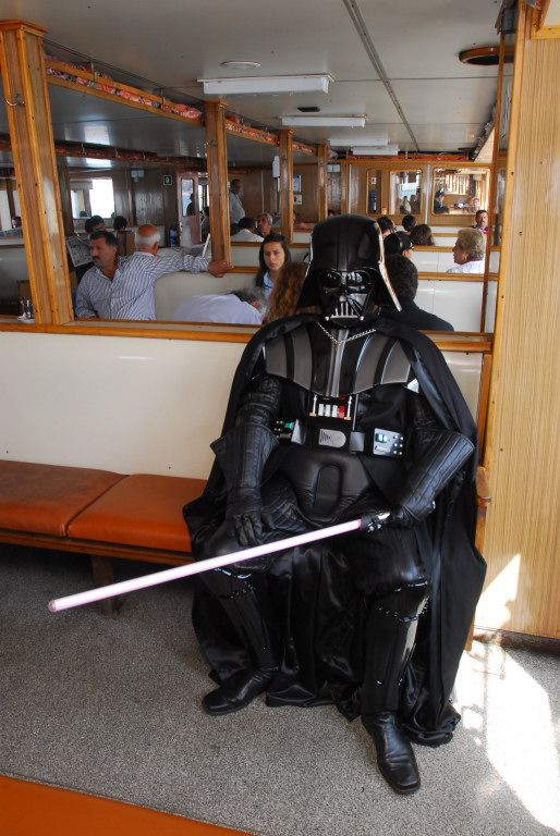 Darth Vader on Vacation (7 pics)