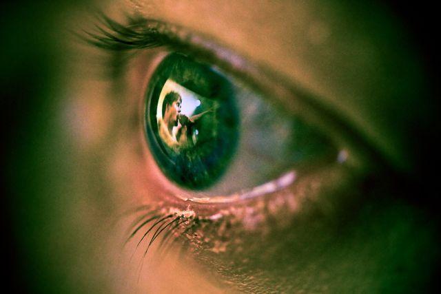 Eye Reflection Photoshop Unusually Beautiful Ph...