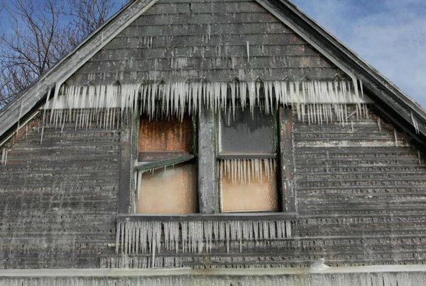 Ice House (9 pics)