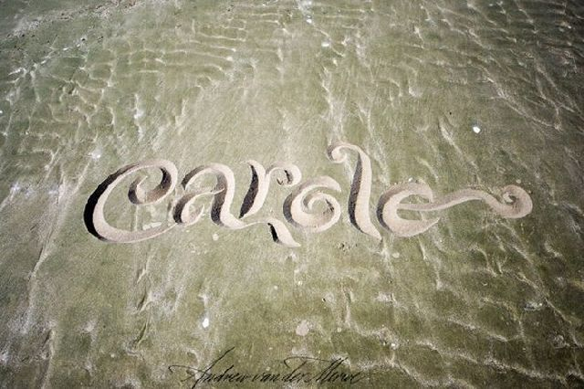 Beautiful Calligraphy Art on the Sand (32 pics)