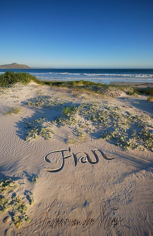 Beautiful Calligraphy Art on the Sand (32 pics)