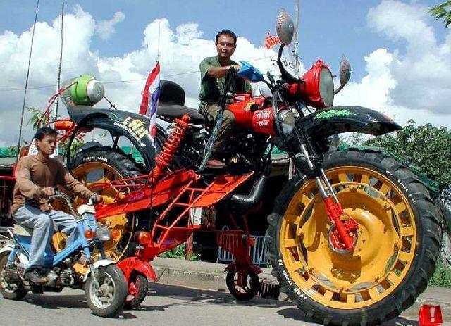 Motorcycle Madness (26 pics)