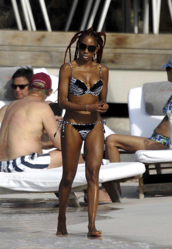 Hot Mia Frye in Bikini on the Beautiful Beach of St. Barth (7 pics)