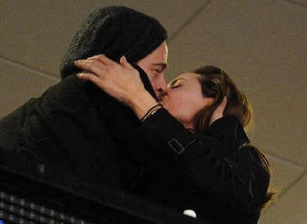 Jolie and Pitt Were Kissing on a Stadium. I Guess Rumors about Their Separation Are Just Rumors (5 pics)