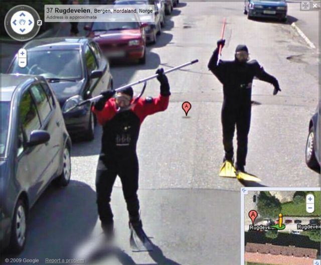 Norwegian Scuba Divers Having Fun on Google Street View (14 pics)
