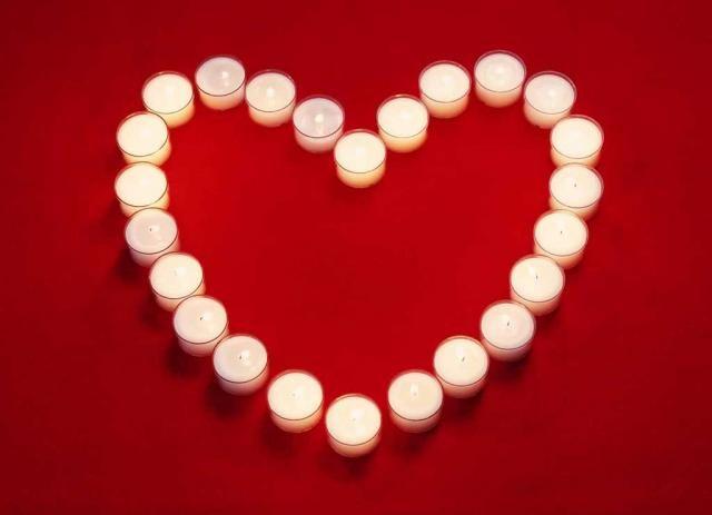 قلوب رومانسية 2012 بالصور - صورة اجمل قلب حب هارت :]