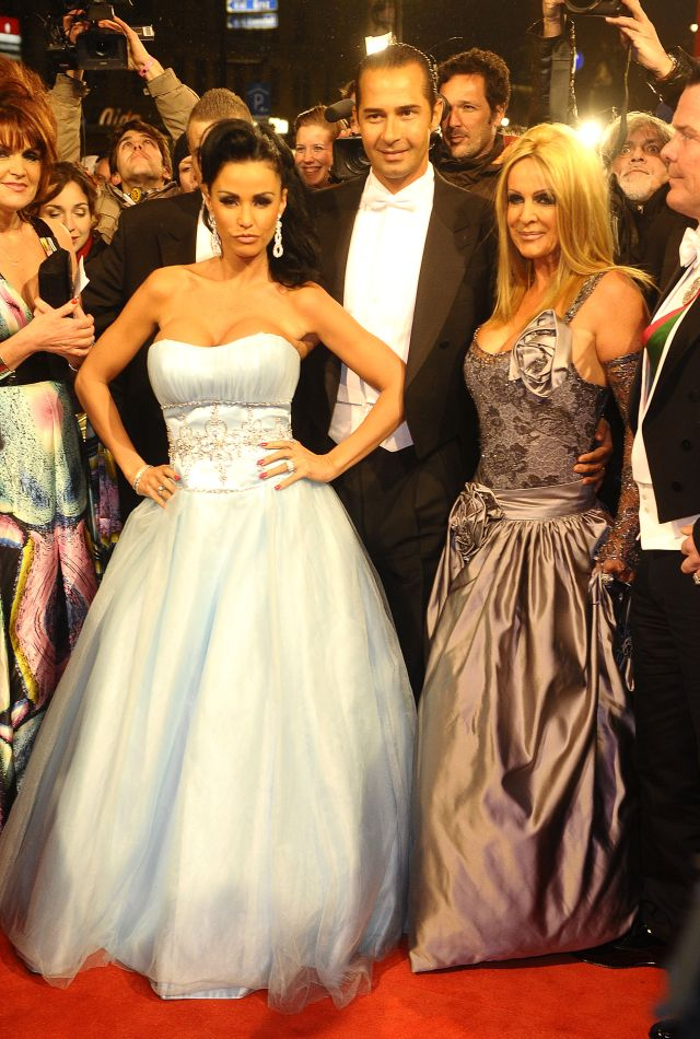 Katie Price in a Princess Dress at Vienna Opera Ball (9 pics)