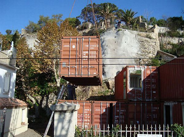Recycled Home (15 pics)