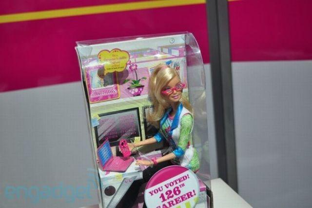 Barbie the Geek (16 pics)