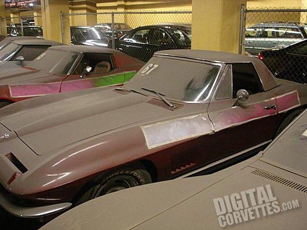 Abandoned Corvettes (37 pics)