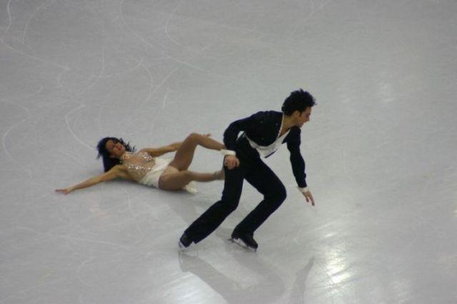 Funny Ice Skating Falls (14 pics)