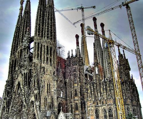 An Incredible Church That's Been Being Built For 118 Years (23 pics)