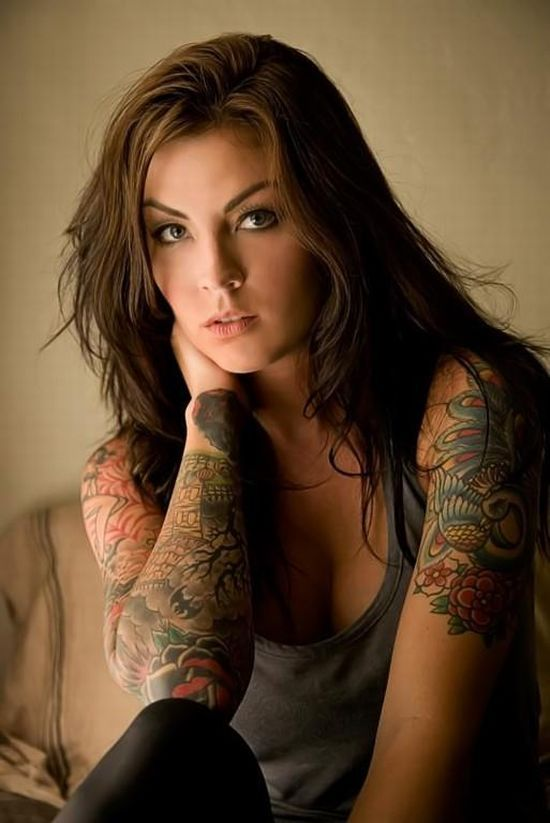 1 Compilation of Girls with Tattoos. Part 2 (33 pics)