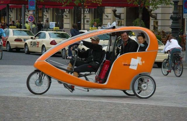 Taxi Cabs All Over the World (14 pics)