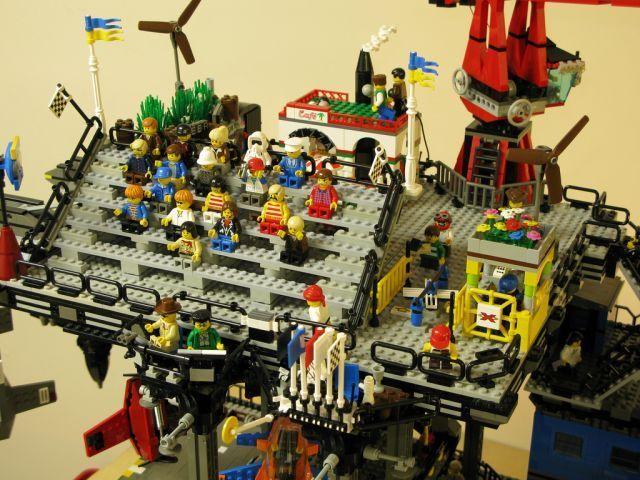 Lego Streampunk Crawler Town (15 pics)
