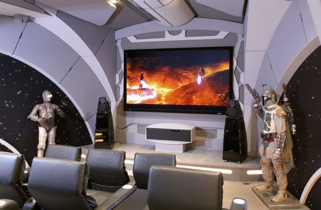 The Home Theater of a Star Wars Fan (20 pics)
